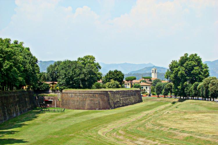 VakantiehuisItalië - Toscane/Elba: Le Mura di Lucca REQ  [23]