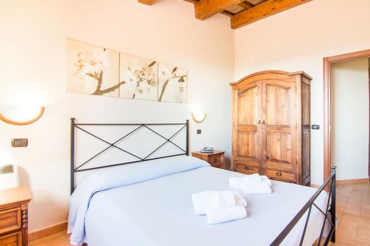 Holiday homeItaly - Umbria/Marche: Casciotto  [15]
