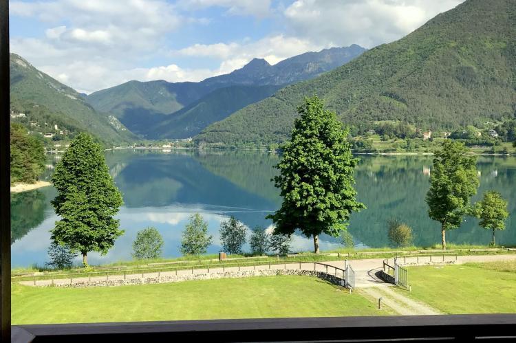 Holiday homeItaly - Lake District: Villa Etti Trilo - Fronte lago  [2]