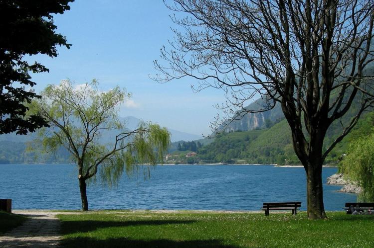 Holiday homeItaly - Lake District: Villa Etti Trilo - Fronte lago  [21]