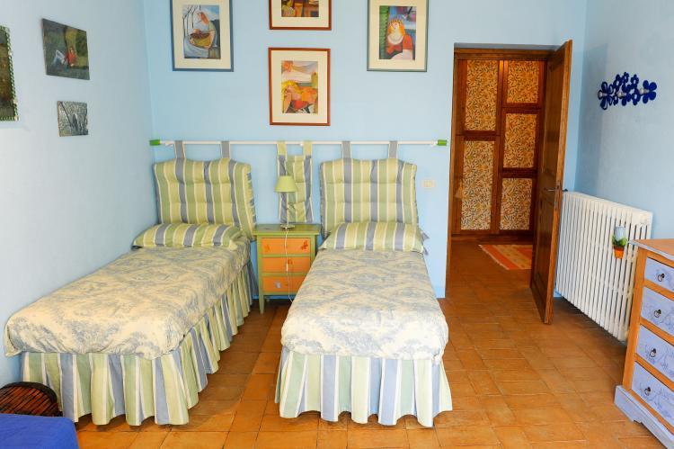Holiday homeItaly - Umbria/Marche: Villa Chianaiola  [25]