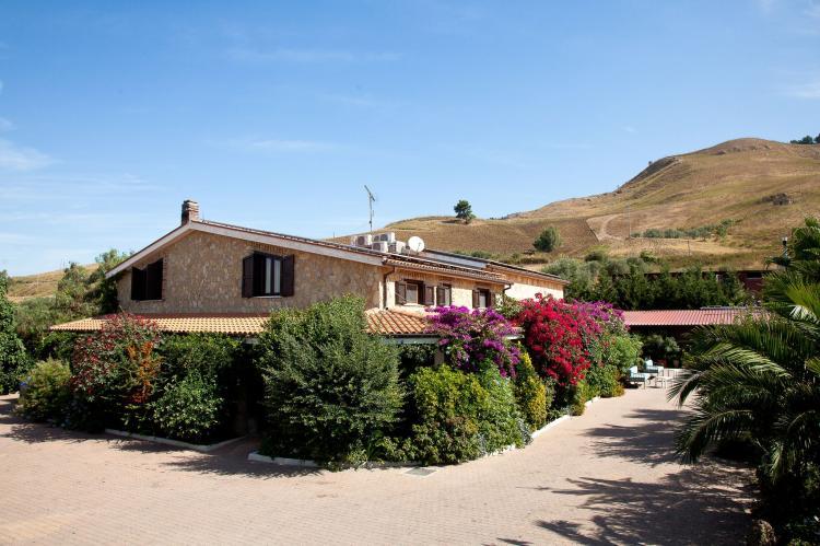 Holiday homeItaly - Sicily: Al Lago  [2]