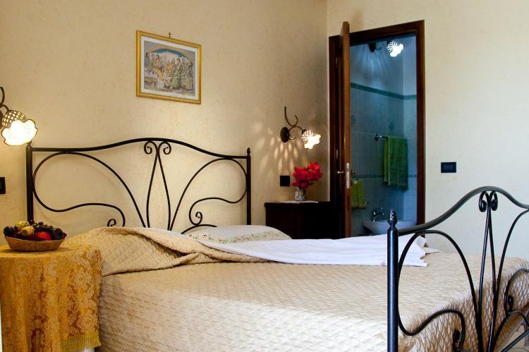 Holiday homeItaly - Sicily: Al Lago  [10]
