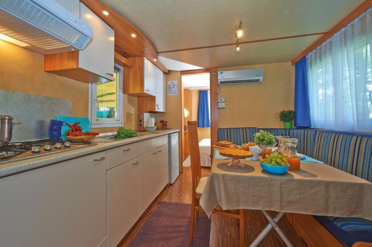 VakantiehuisItalië - Campania/Napels: Baia Domizia Villaggio Camping E3  [3]