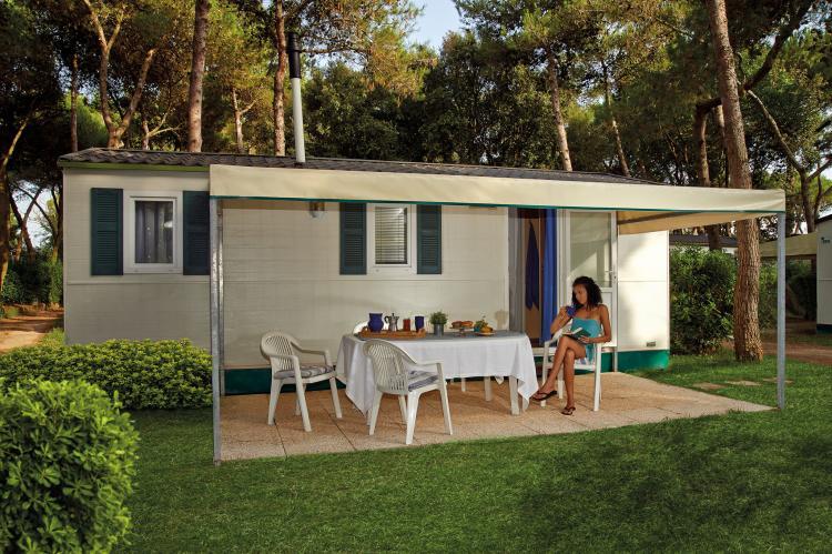 VakantiehuisItalië - Campania/Napels: Baia Domizia Villaggio Camping E3  [1]