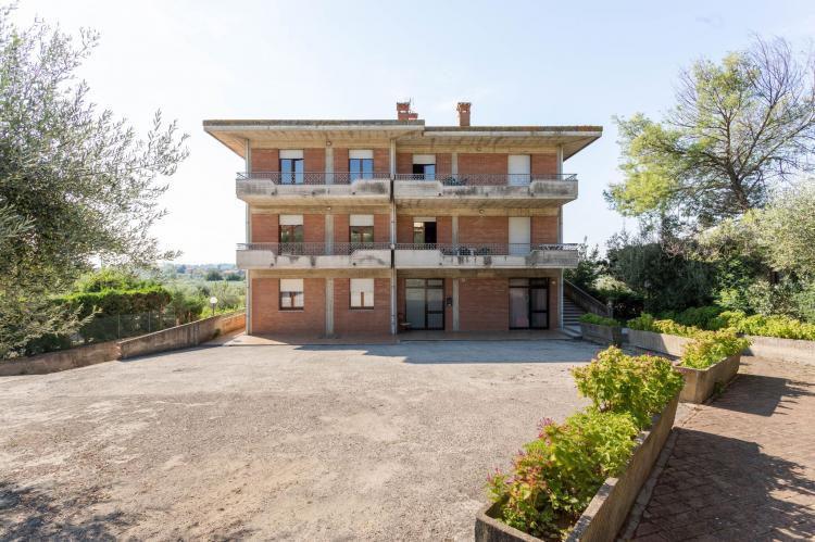 VakantiehuisItalië - Umbrië/Marche: Casa Tommaso - trilo 2 P - 6 pax  [8]