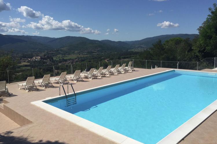 Holiday homeItaly - Umbria/Marche: Appartamento per 6  [2]