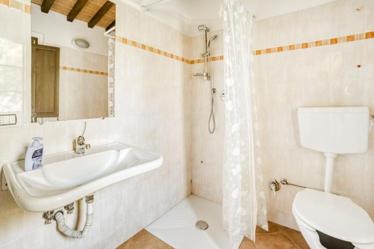 Holiday homeItaly - Umbria/Marche: Appartamento per 6  [28]