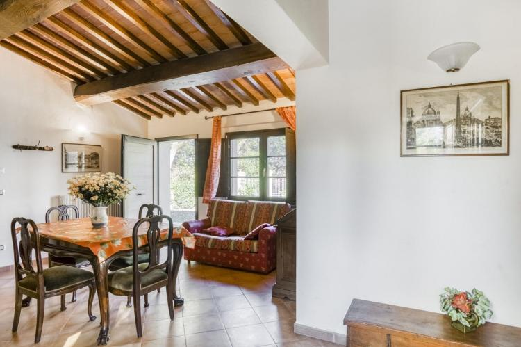 Holiday homeItaly - Umbria/Marche: Appartamento per 6  [23]