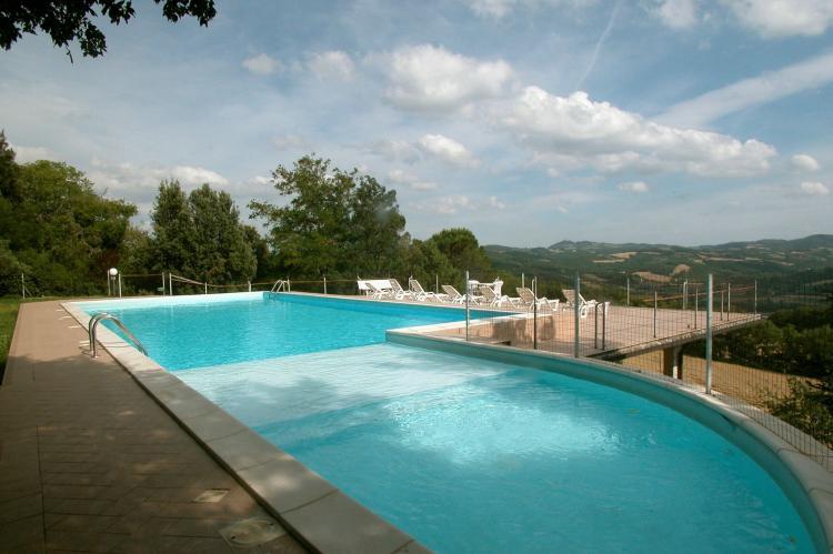 Holiday homeItaly - Umbria/Marche: Appartamento per 6  [9]