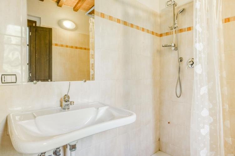 Holiday homeItaly - Umbria/Marche: Appartamento per 6  [29]