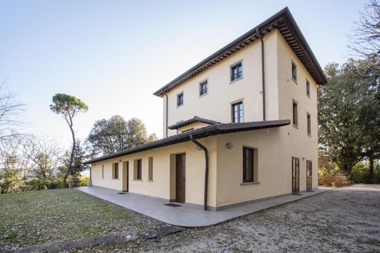 Holiday homeItaly - Umbria/Marche: Appartamento per 6  [1]