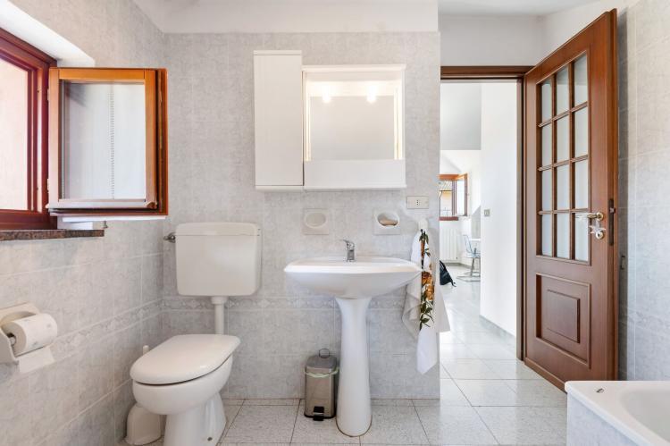 Holiday homeItaly - Piemonte: Appartamento Le Rose  [17]