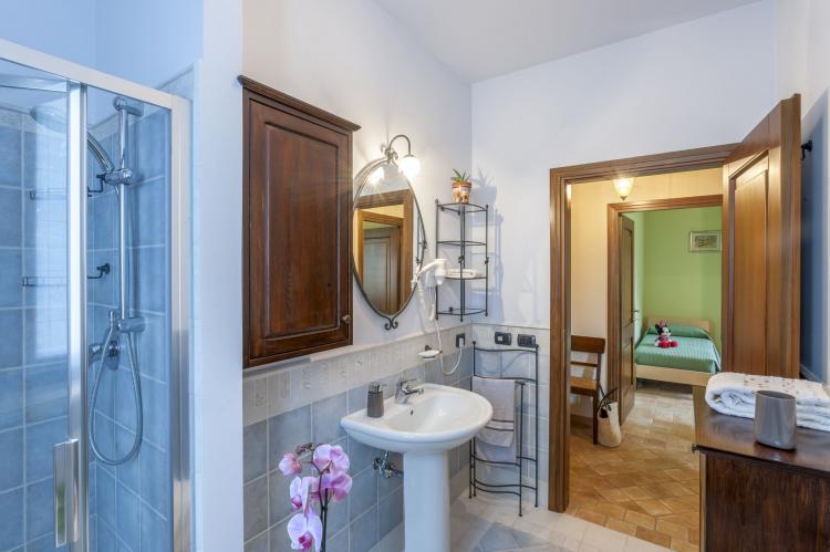 Holiday homeItaly - Umbria/Marche: La Cantinaia Botte  [11]