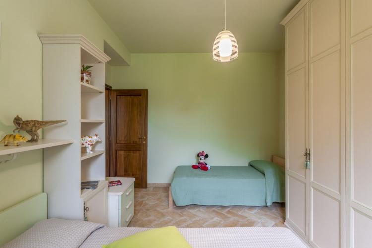 Holiday homeItaly - Umbria/Marche: La Cantinaia Botte  [10]