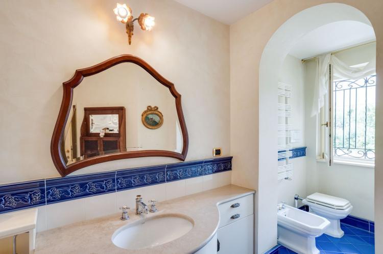 Holiday homeItaly - Lake District: Villa d'epoca con ampio giardino lago di como  [30]