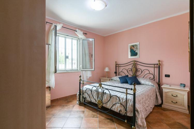 Holiday homeItaly - Sicily: Villa Kiara  [25]