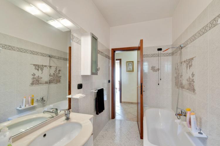 Holiday homeItaly - Abruzzo/Molise: Sirente House  [20]