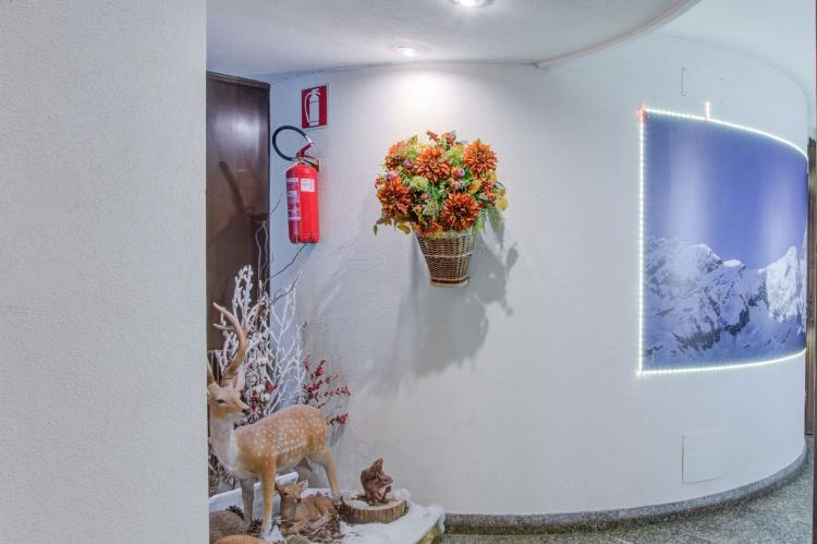Holiday homeItaly - Valle d'Aosta: One-Room Apartment directly on Cervinia Ski slopes  [11]