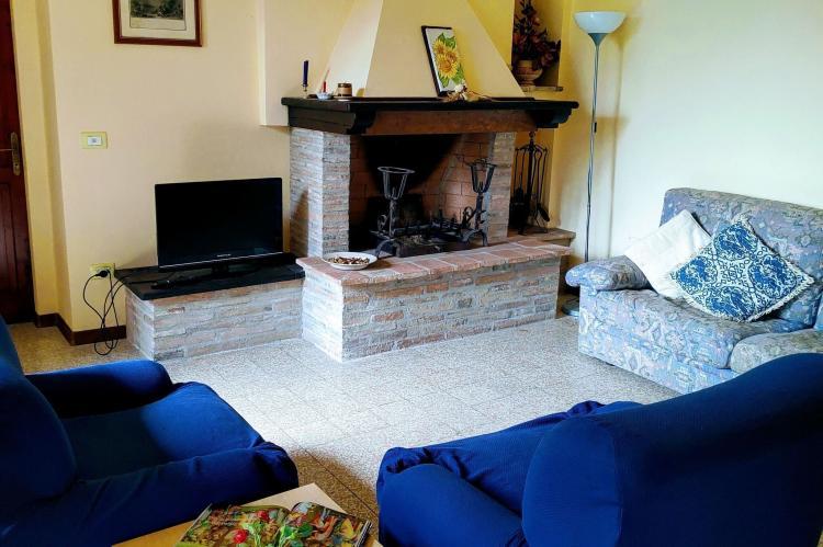 Holiday homeItaly - Umbria/Marche: Appartamento Casale dei Girasoli  [10]