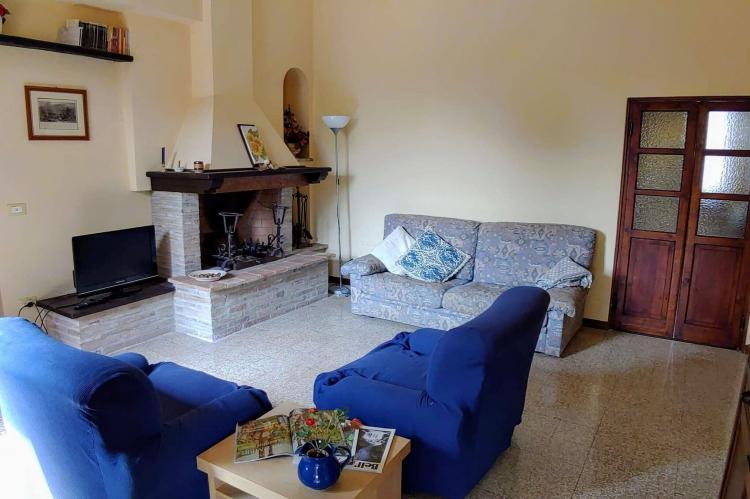 Holiday homeItaly - Umbria/Marche: Appartamento Casale dei Girasoli  [9]