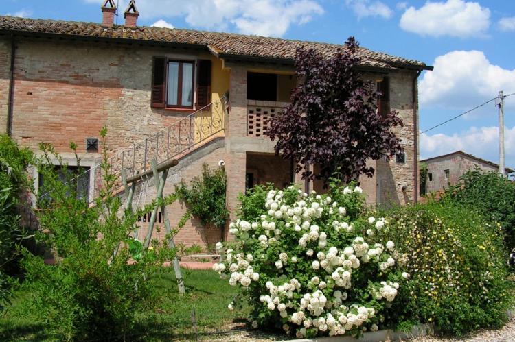 Holiday homeItaly - Umbria/Marche: Appartamento Casale dei Girasoli  [1]