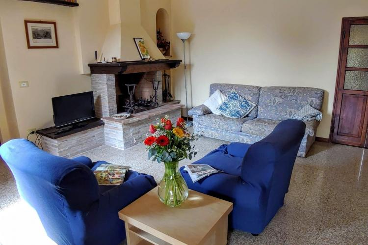 Holiday homeItaly - Umbria/Marche: Appartamento Casale dei Girasoli  [8]