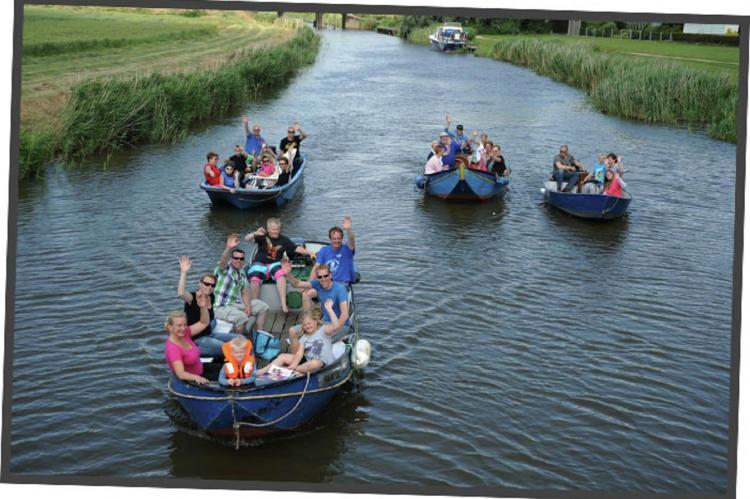 VakantiehuisNederland - Friesland: Recreatiepark de Friese Wadden 15  [41]
