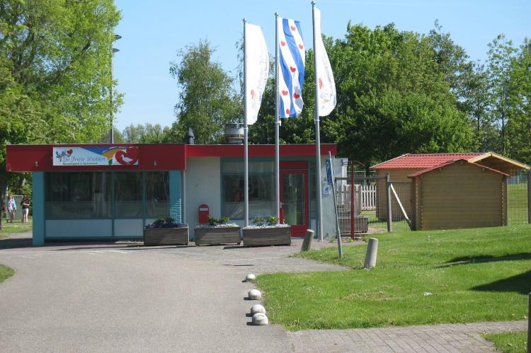 VakantiehuisNederland - Friesland: Recreatiepark de Friese Wadden 15  [18]