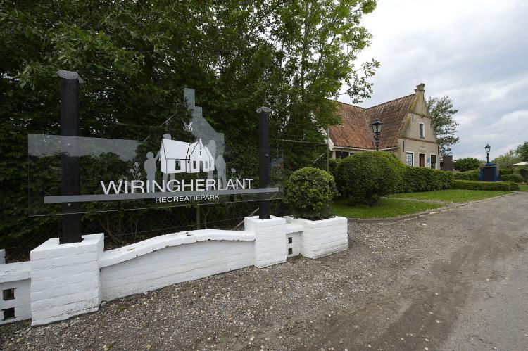 VakantiehuisNederland - : Recreatiepark Wiringherlant - Wiringher Chalet 26   [19]