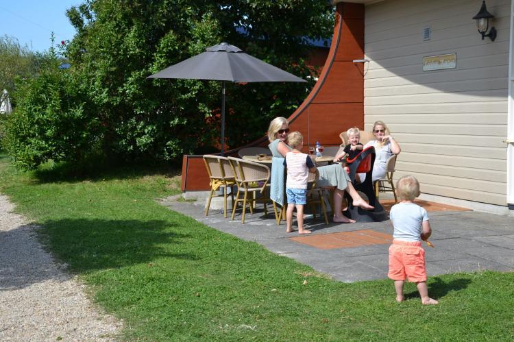 VakantiehuisNederland - Zuid-Holland: Strandpark Vlugtenburg 3  [12]