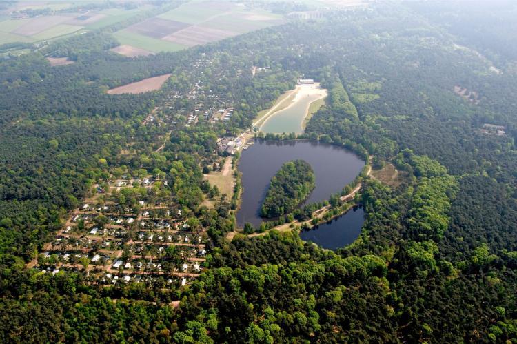 VakantiehuisNederland - Noord-Brabant: Bospark 't Wolfsven 7  [2]