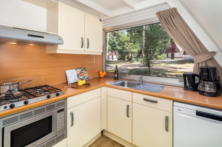 VakantiehuisNederland - Noord-Brabant: Bospark 't Wolfsven 7  [5]