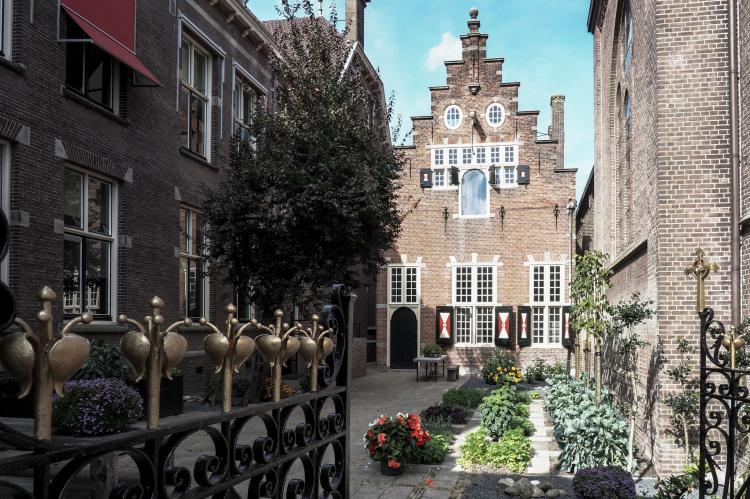 VakantiehuisNederland - Noord-Holland: Klein Weeshuis Enkhuizen  [2]