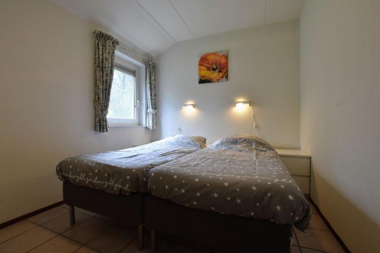 VakantiehuisNederland - Gelderland: Bungalow Bosrijk  [15]