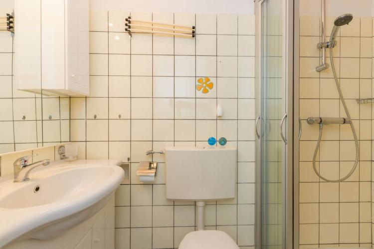 VakantiehuisNederland - Zeeland: Appartement Burg van Woelderenlaan  [18]