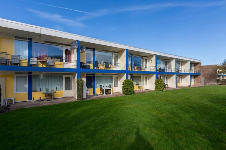 VakantiehuisNederland - Zeeland: Appartement Burg van Woelderenlaan  [1]