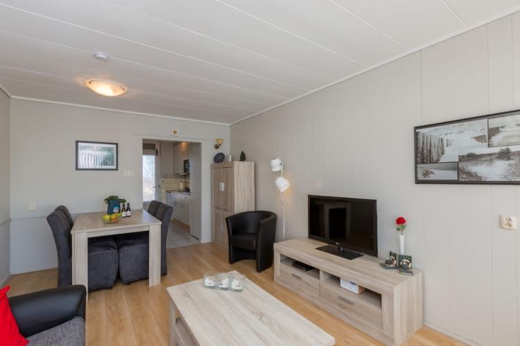 VakantiehuisNederland - Zeeland: Appartement Burg van Woelderenlaan  [7]