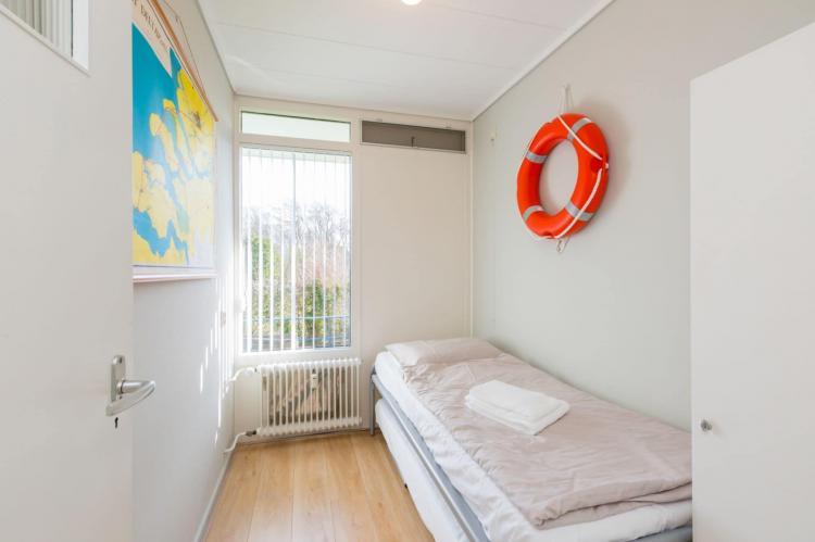 VakantiehuisNederland - Zeeland: Appartement Burg van Woelderenlaan  [16]