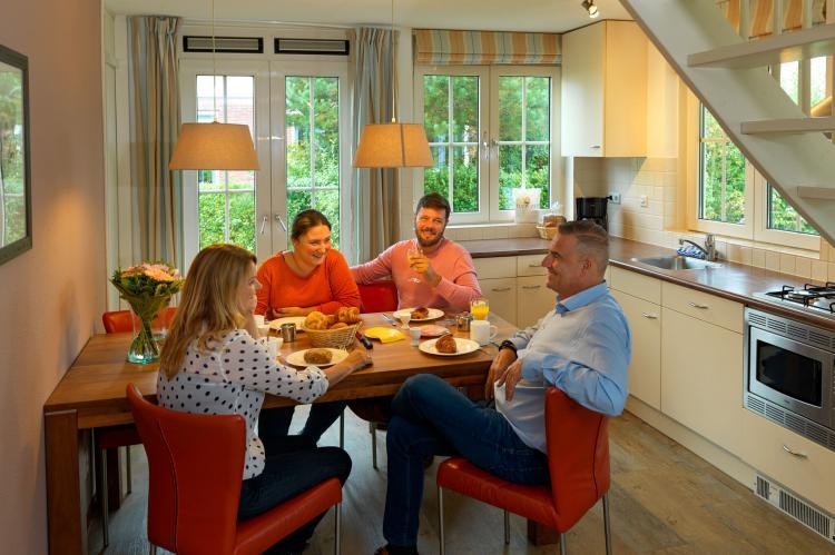VakantiehuisNederland - Zuid-Holland: Bungalowparck Tulp en Zee 3  [9]