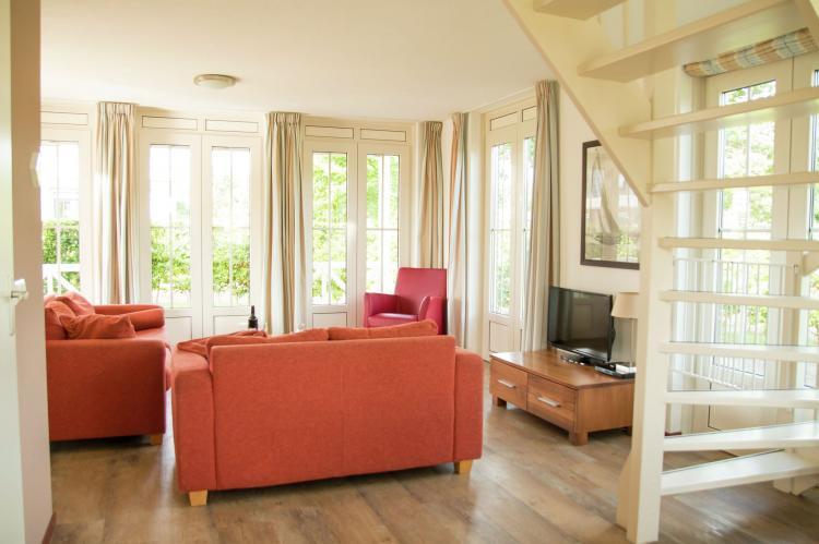 VakantiehuisNederland - Zuid-Holland: Bungalowparck Tulp en Zee 3  [8]