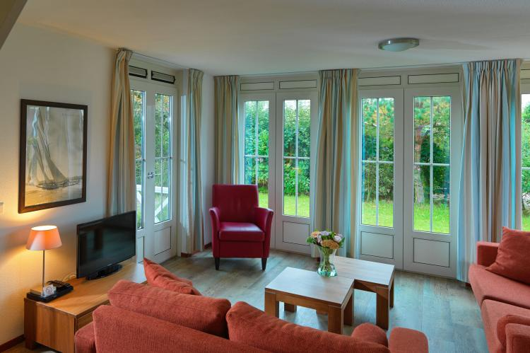 VakantiehuisNederland - Zuid-Holland: Bungalowparck Tulp en Zee 3  [6]