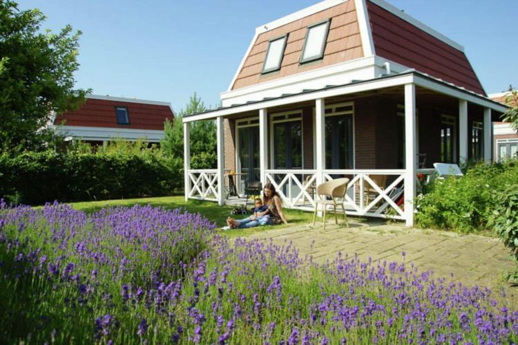 VakantiehuisNederland - Zuid-Holland: Bungalowparck Tulp en Zee 3  [21]