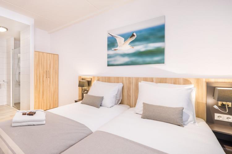 VakantiehuisNederland - Zeeland: Noordzee Résidence Dishoek 12  [5]