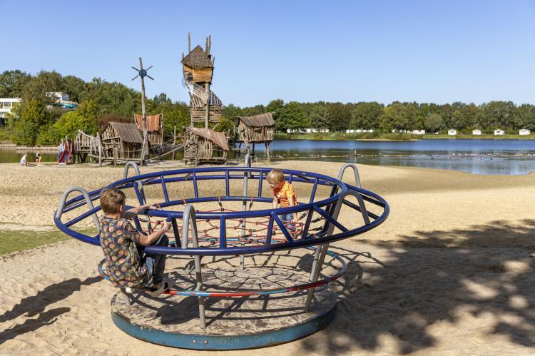 VakantiehuisNederland - Drenthe: Vakantiepark Hunzedal 12  [22]
