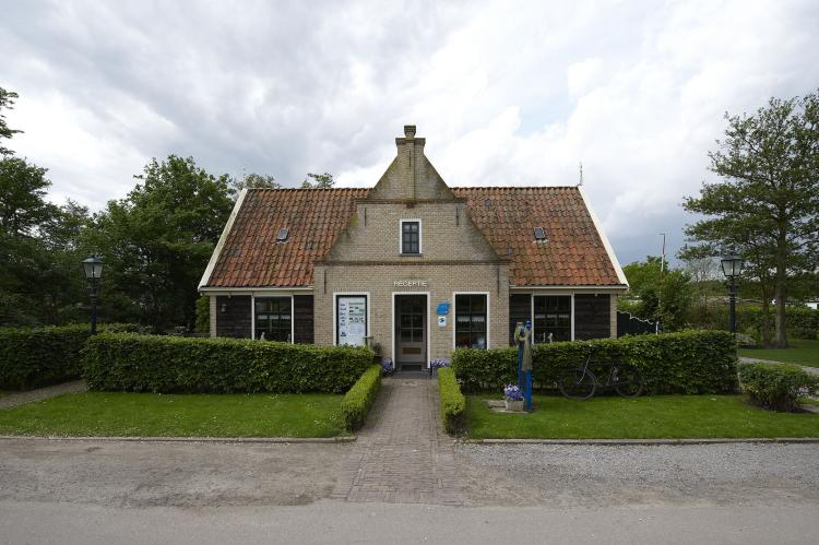 VakantiehuisNederland - Noord-Holland: Recreatiepark Wiringherlant - Anno Nu 5  [16]