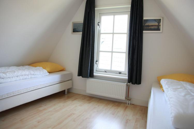 VakantiehuisNederland - Noord-Holland: Recreatiepark Wiringherlant - Anno Nu 5  [8]