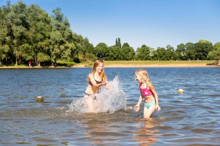 Holiday homeNetherlands - Gelderland: Recreatiepark Het Esmeer 4  [28]