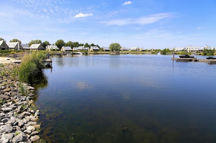 VakantiehuisNederland - Zeeland: Resort Waterrijk Oesterdam 14  [15]