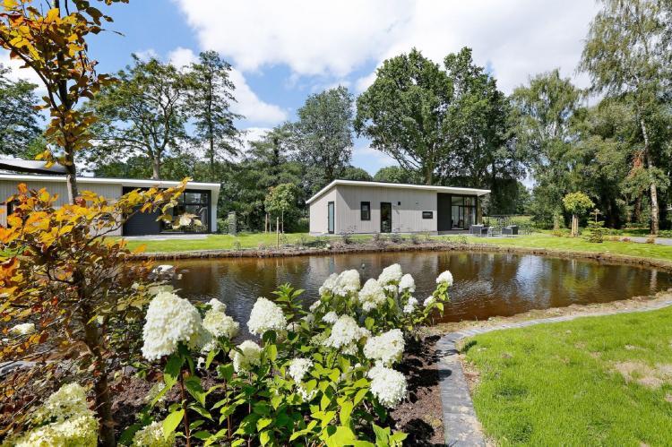 VakantiehuisNederland - Gelderland: Vakantiepark De Lochemse Berg 1  [13]